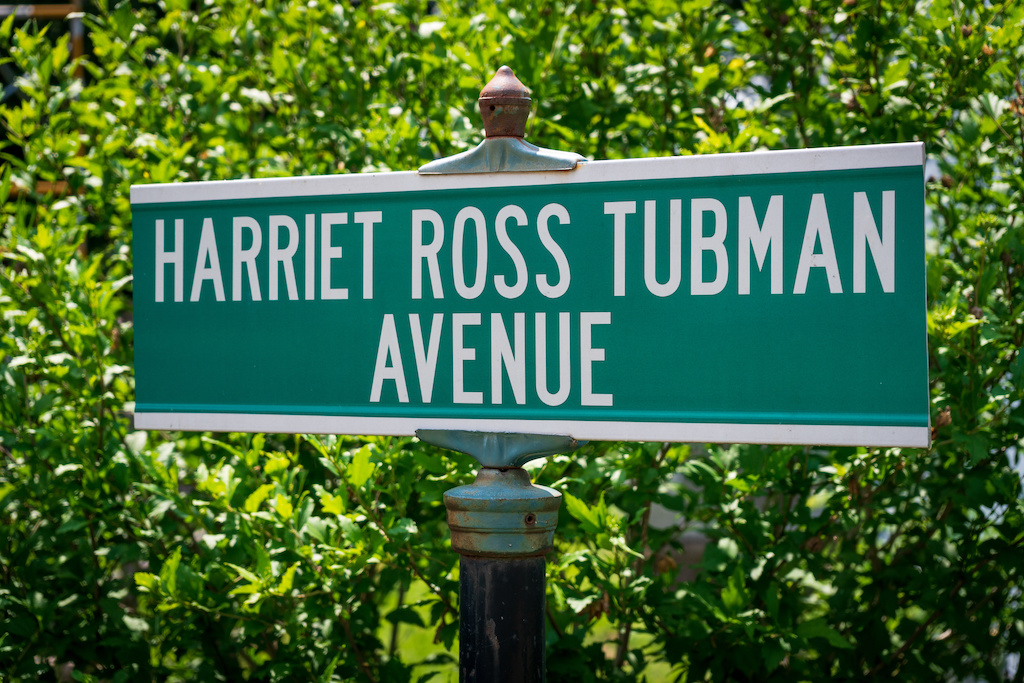 pic of Harriet tubman sign