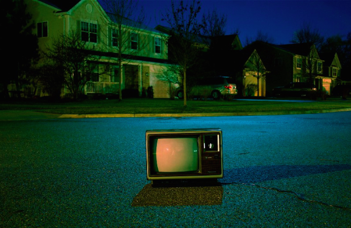 pic of tv in street